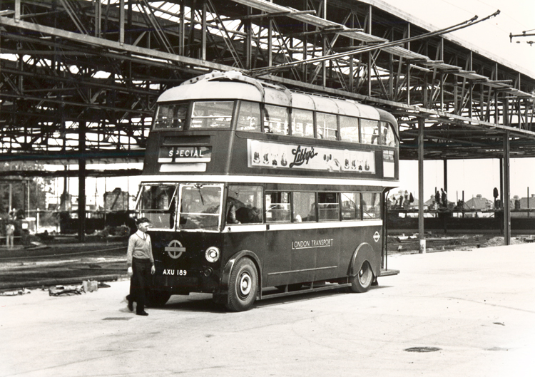 Bus Garage, Erith Road, Barnehurst, Bexley, 1935 - click for smaller image