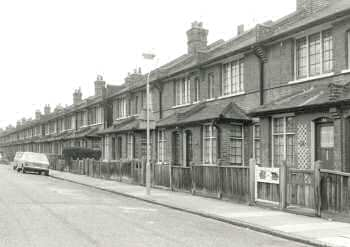 Elm Road, Slade Green, 1977
