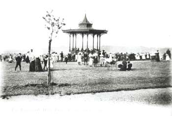 bandstand-00126-350