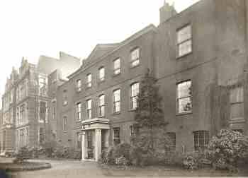 john-thorntons-residence-00242-350