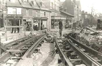 tram-tracks-00563-350