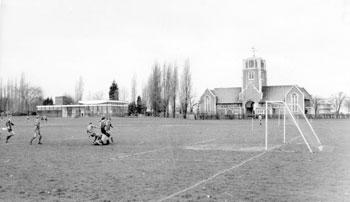 honor-oak-sports-ground-01657-350