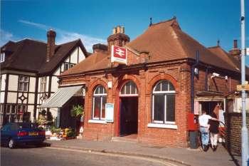 Bellingham Station, Randlesdowne Road, Bellingham, 2001