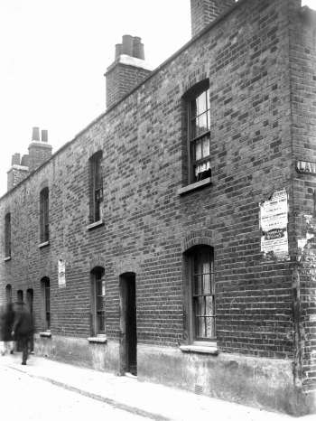 rotherhithe-street-00677-350